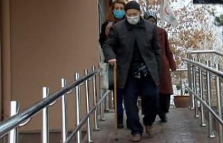 Ankara'da 80 Yaş Üzeri Vatandaşlar Aşılanıyor