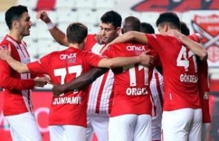 Antalyaspor Yenilmezlik Serisini Sürdürüyor