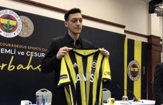 Flaş İddia: Mesut Özil Fenerbahçe'den Gidiyor...