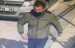 Ankara'da Evine Girdiği Ev Sahibini Bıçakla...