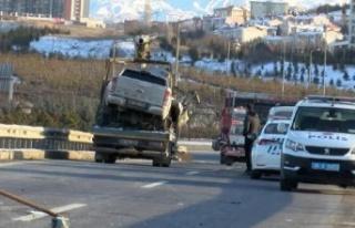 Ankara'da Korkunç Kaza: İki Kamyonet Çarpıştı...
