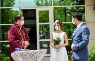 Ankara'da Yeni Evlenecek Çiftlere Ücretsiz...