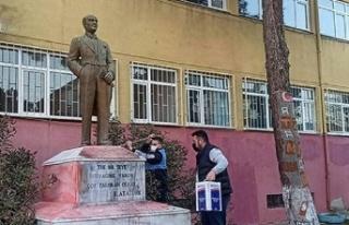 Atatürk Heykeline Saldıran Kişi Yakalandı
