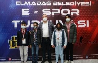 Elmadağ E-Spor Turnuvasının Şampiyonları Belli...