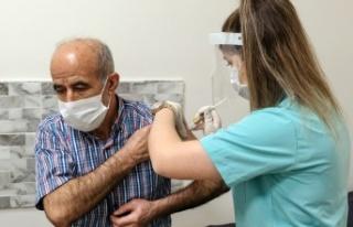 Özlem Türeci: Her Yıl Aşı Olmak Gerekebilir