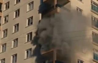 11 Katlı Binada Feci Yangın: 8 Kişi Yangından...