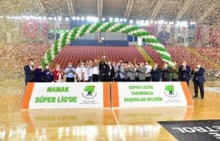 Şampiyonluk Kupasını Kaldırdılar: Mamak Hentbolda...
