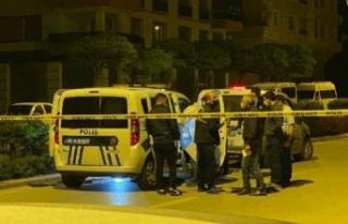 Ankara'da Polise Bıçaklı Saldıran Kişi Vurularak...