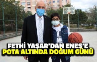 Fethi Yaşar'dan Enes'e Pota Altında Doğum...