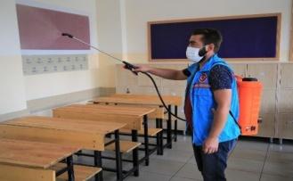 Gölbaşı Belediyesi Okulları Dezenfekte Ediyor