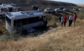ASELSAN Minibüsü Kaza Yaptı: Ölü ve Yaralılar Var!