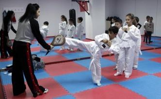 Yenimahalle Spor Akademisi'nde Eğitimler Başladı