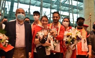Ayşe Begüm Onbaşı Ankara'da Coşkuyla Karşılandı