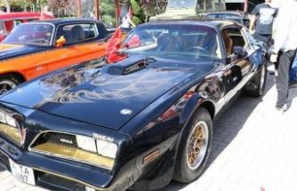 Ankara'da Klasik Otomobillerle 29 Ekim Kutlaması