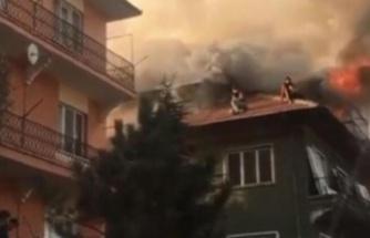 Ankara'da Can Pazarı: Çatıda Kurtarılmayı Beklediler