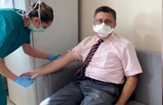 Ankaralı Profesör Gönüllü Oldu: 'Hangi Aşıyı Bulursanız Yaptırın'