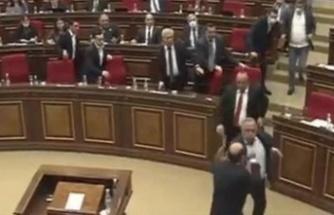 Ermenistan Meclisinde Karabağ Kavgası