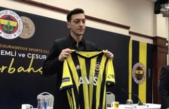 Flaş İddia: Mesut Özil Fenerbahçe'den Gidiyor mu?