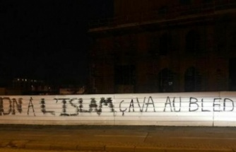 Fransa'da Eyüp Sultan Camisi'ne Alçak Saldırı