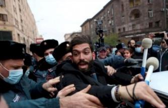 Ermenistan'da Hükümet Binasını Bastılar!