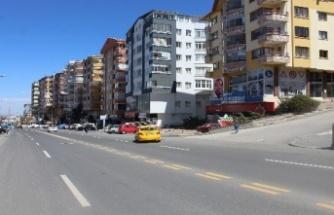 Ankara'da El Frenini Çekmeden İndiği Tır Park Halindeki Araçlara Çarptı