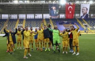 Ankara Derbisinde Gülen Taraf Ankaragücü