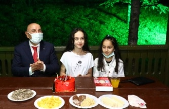 Turgut Altınok Hazal'ı Doğum Gününde Yalnız Bırakmadı