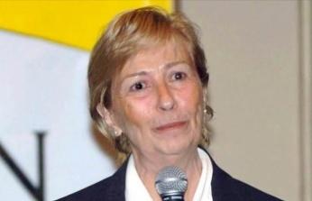 Sevilen Edebiyatçı Emine Işınsu Öksüz Hayatını Kaybetti