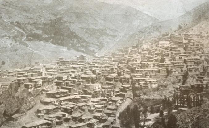 17 Ekim: Ermeniler Haçin'i Baştan Aşağı Yakarak Kasabadan Çekildiler