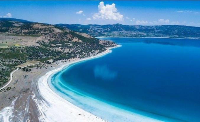 Salda Gölü'nde Kuraklık Alarmı: Sular Çekildi!