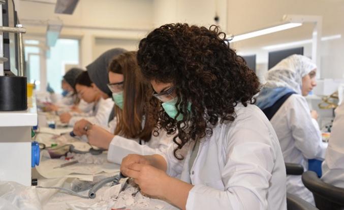 20 Bin Diş Protez Teknolojisi Bölümü Mezunu Atama Bekliyor