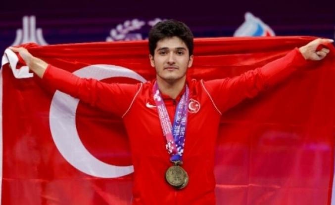 Milli Haltercimiz Muhammed Furkan Özbek Avrupa Şampiyonu Oldu