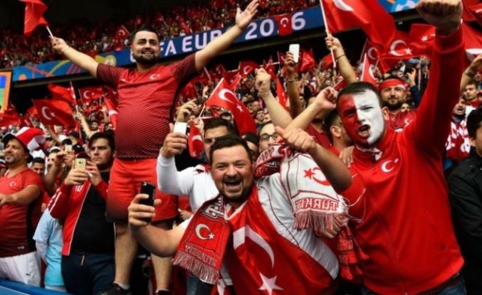 EURO 2020 Öncesinde İtalya'dan Flaş 'Türk Taraftar' Kararı!