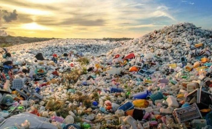 Greenpeace: İngiltere'deki Plastik Atıkların Yüzde 40'ı Türkiye'ye İhraç Edilerek Yasa Dışı Yollarla Yakıldı!