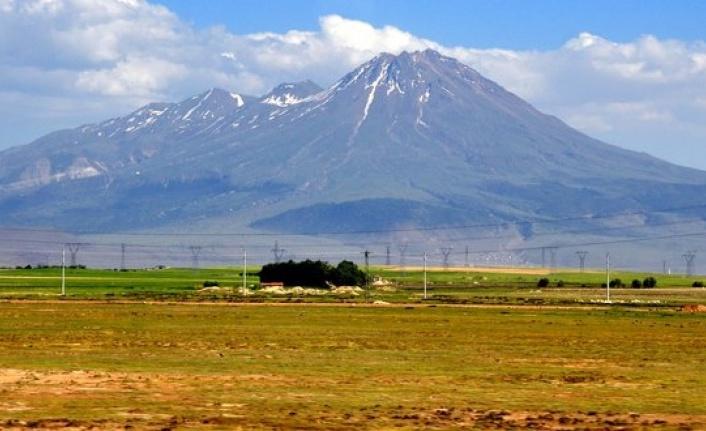 Niğde Depreminden Sonra 'Volkan' Uyarısı Geldi