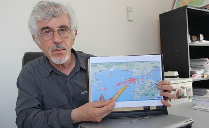 Doğan Perinçek'ten Kritik Uyarı: Meydana Gelen Öncü Deprem Olabilir